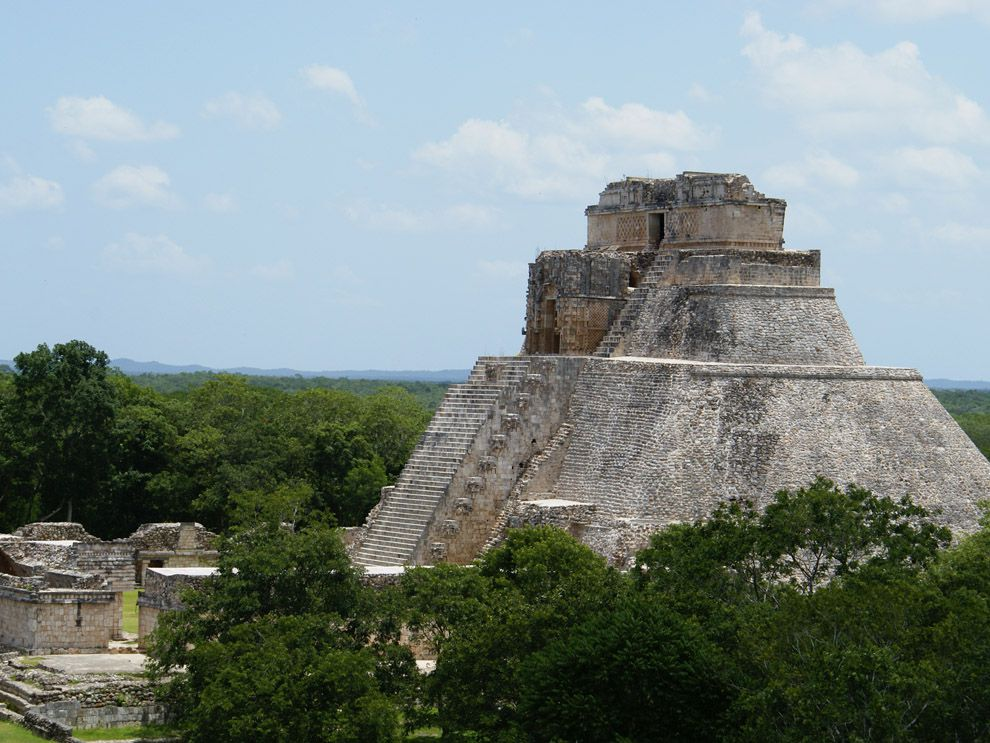 the contribution and influence of the civilization of the mayans on the americas What were some mayan achievements the building of temples and great cities without modern machinery, using astronomy to predict astrological cycles and plant crops and using their language to communicate and measure time are some of the mayans most notable achievements.