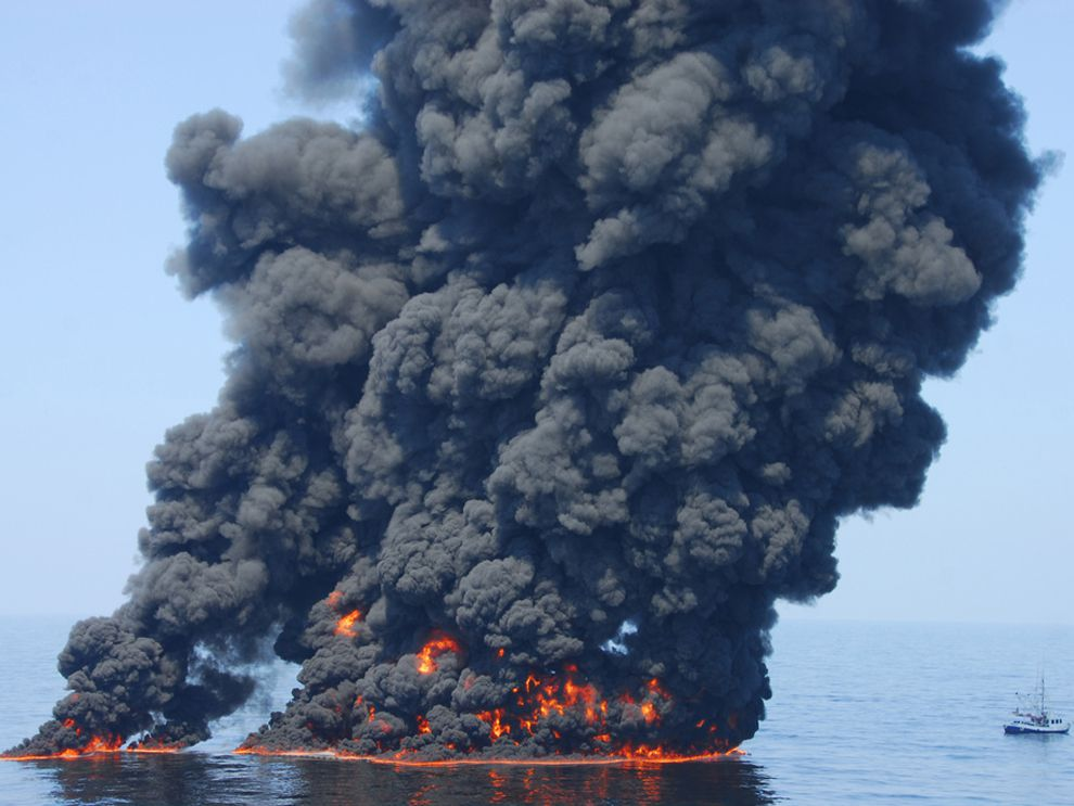 deepwater horizon explodes national geographic society