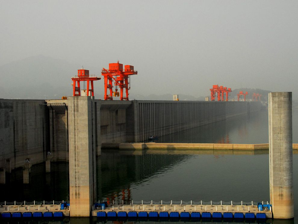 essay three gorges dam In order to make an informed decision on how you feel about the three gorges dam it is best that you know what it is, and the pros and cons for this topic.