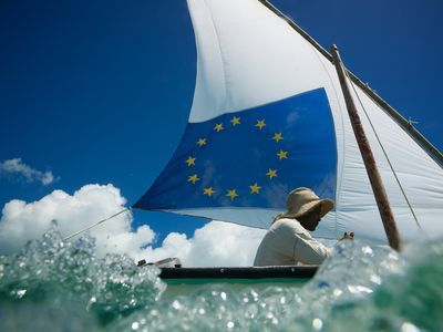 Photo: The flag of the European Union on a boat.
