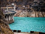 Picture of a hydroelectric dam.