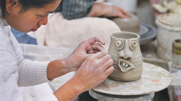 "<p class=""p1"">Classes at the John C. Campbell Folk School usually last about a week. Although the curriculum originally included traditional subjects such as geography and sociology, classes today focus on folk arts, such as pottery or ceramics.</p>"