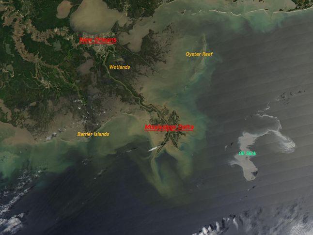 Oil Slick Spreads Off Gulf Coast