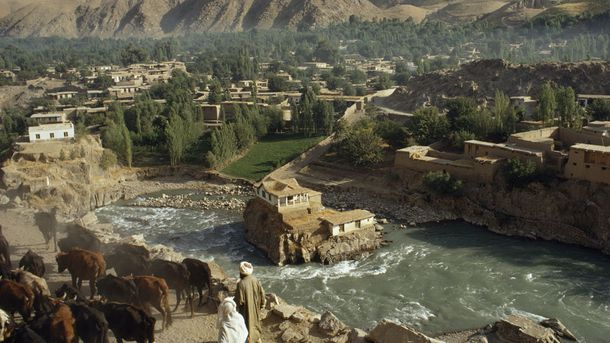 """<p class=""""p1"""">In addition to the mighty Hindu Kush, Afghanistan is also dotted by valleys and rivers. """"Well, those mountains and those rivers are the best things to facilitate trade. Because what happened is you look at the mountains, and you see these valleys that go up into the mountains. Those are superhighways. You go up from the deserts, and you can go up through the mountains. It's easy. You don't really have to know too much about navigation,"""" says National Geographic Archaeology Fellow and Silk Road expert Dr. Fredrik Hiebert.</p>"""