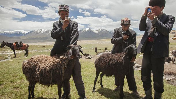 """<p class=""""p1"""">""""[Ancient Afghan communities] not only had a lot of agriculture,"""" Hiebert says, """"they had a lot of animal wealth, because [the region] is really great for herding."""" This herding tradition continues throughout Afghanistan's mountainous valleys. These herders use cell phones to record data about their goats as they roam the Wakhan Corridor.</p>"""