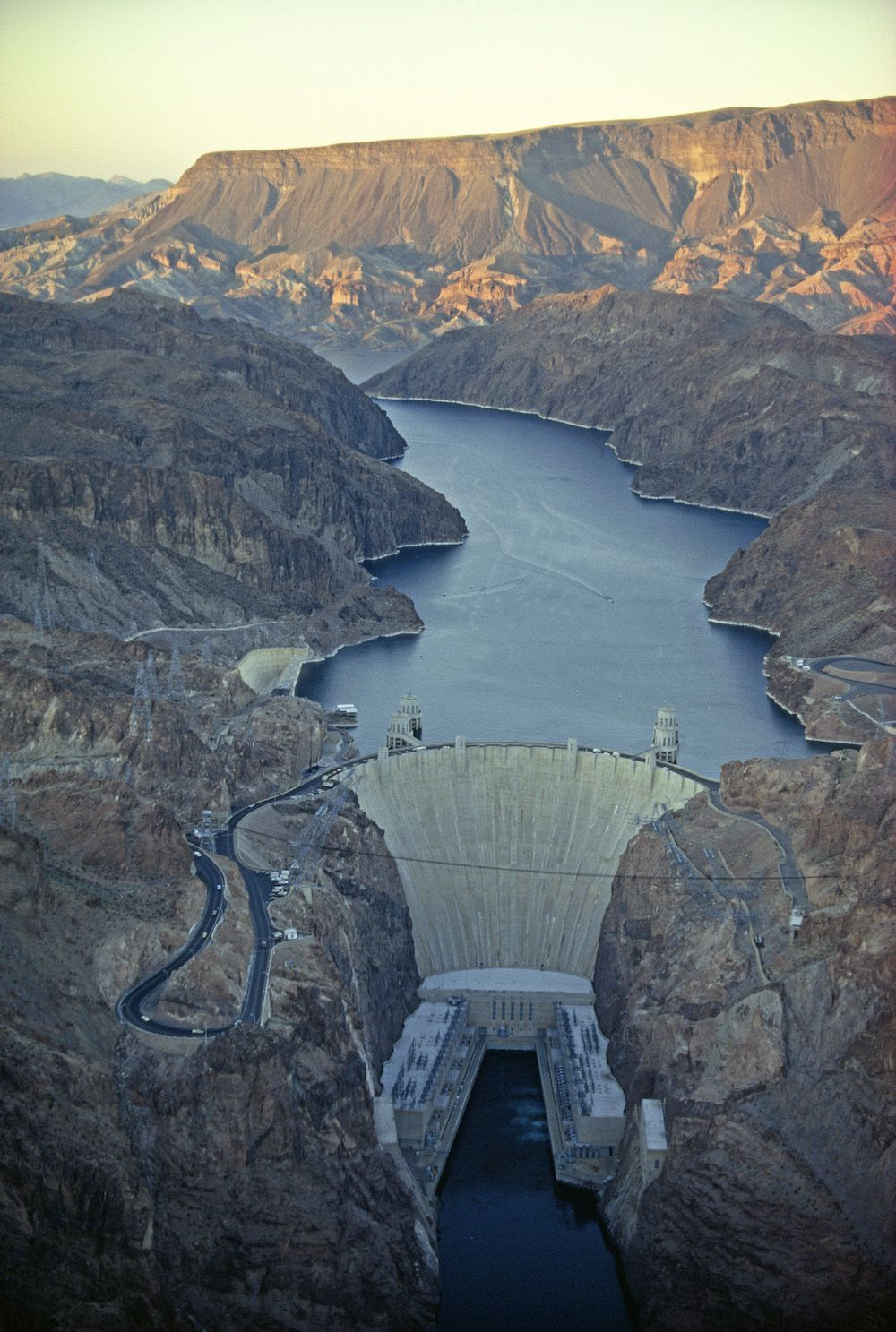 Hoover Dam Powers La National Geographic Society - Hoover-dam-on-us-map